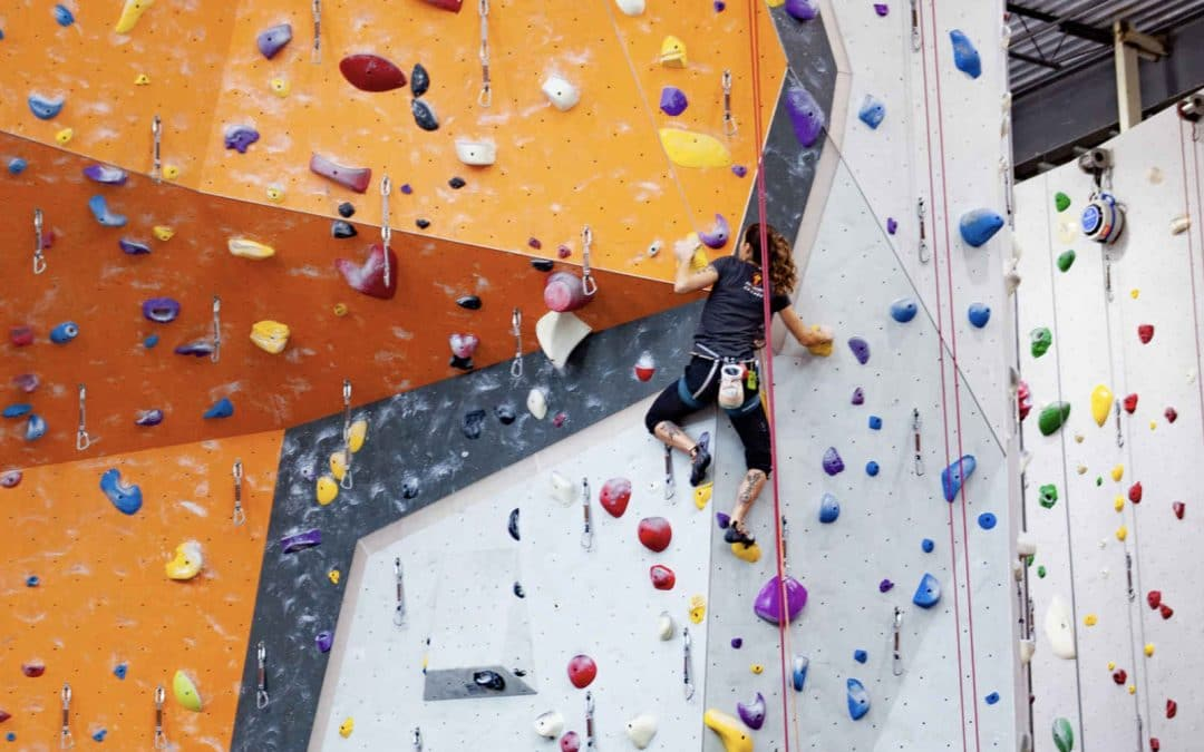 How to become a stronger climber? Do more bouldering!