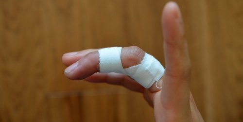 How do you tape your fingers for rock climbing? The best methods for joint and skin protection