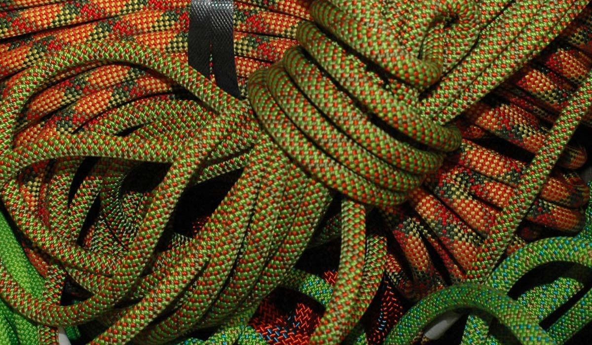 When Should you Retire your Climbing Rope? Whats the Maximum Lifespan of Climbing Rope?