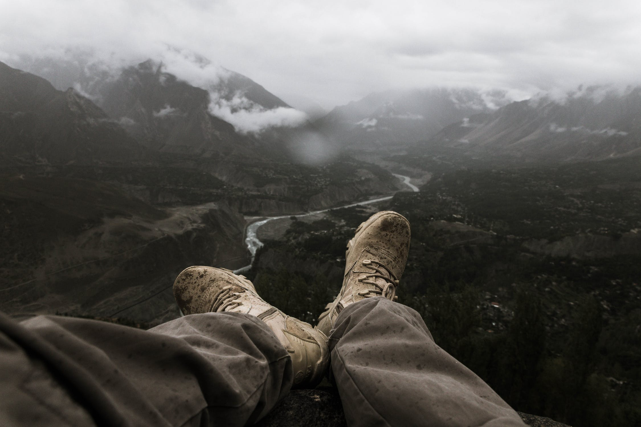 Are cargo pants good for hiking?